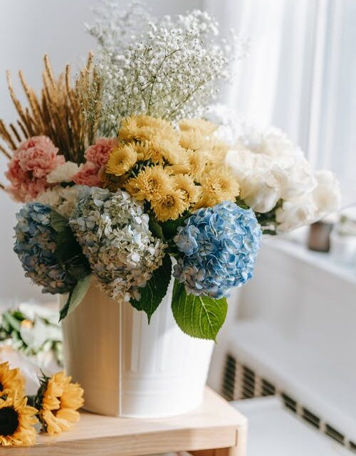 Online Flower Delivery: Pros and Cons